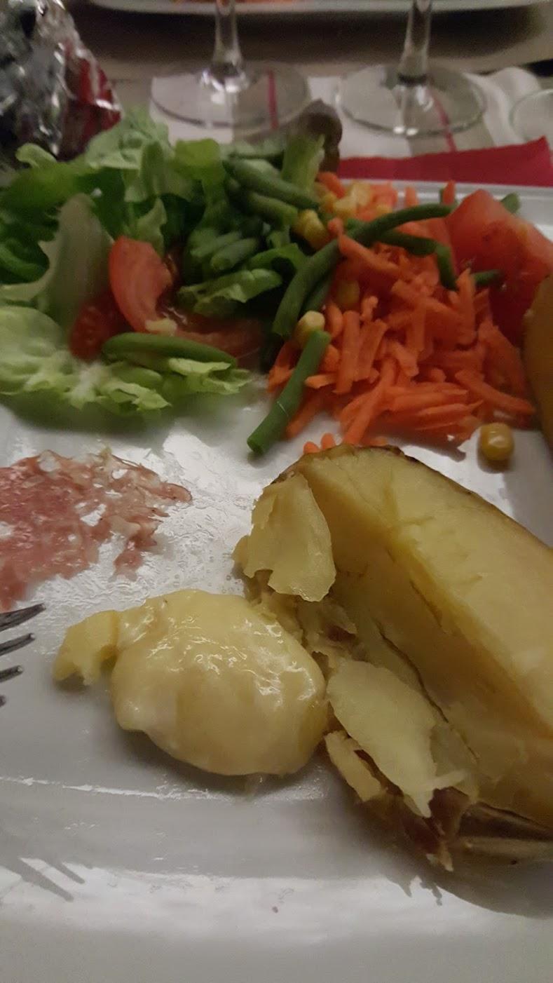 Non mais c'est équilibré regarde, y a des légumes, des protéines et même quelques glucides