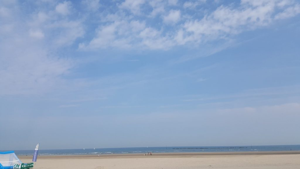 Vue sur mer depuis la crêperie. On a vu pire