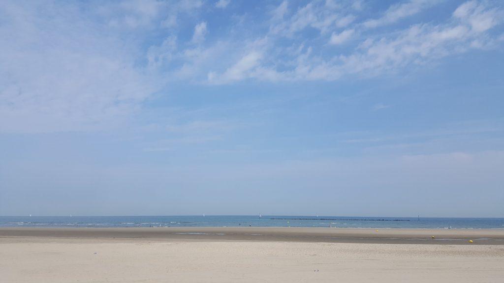En plus sur la plage y avait quasi pas de témoins, tu parles d'une chance