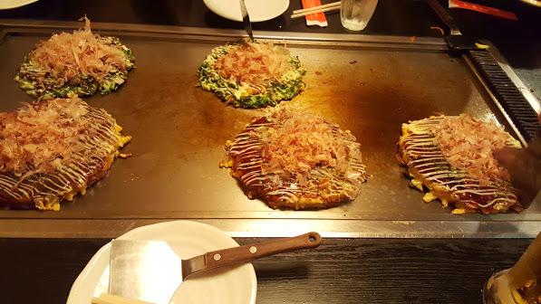 On coupe sur la plaque et on met dans l'assiette, Itadaikimasu